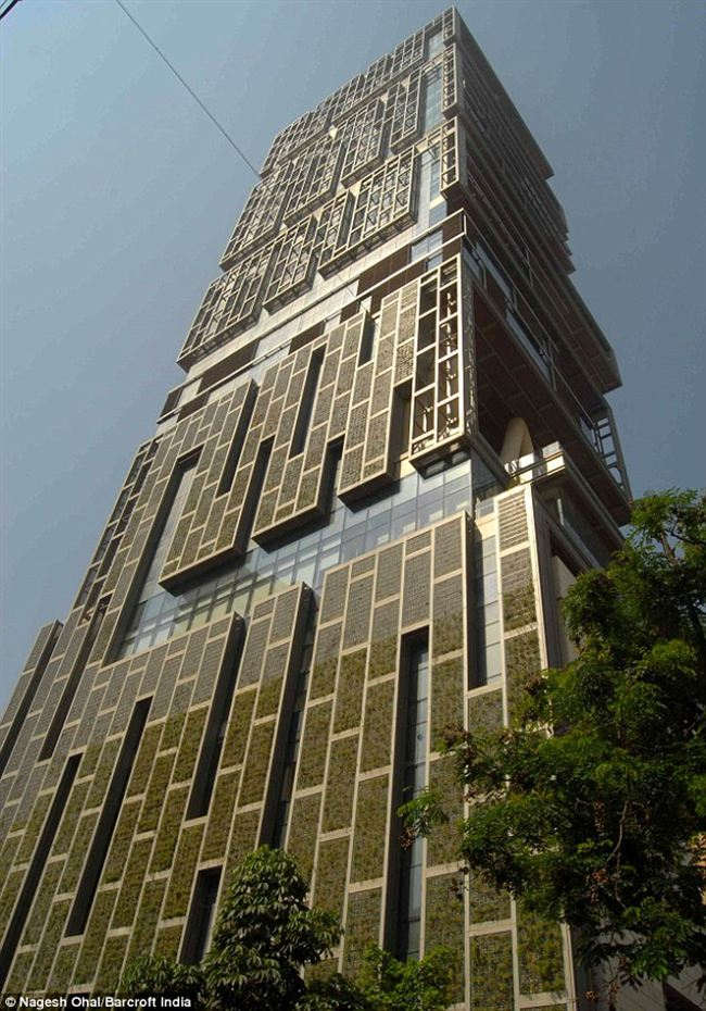 Antilla__built_Mukesh_Ambani