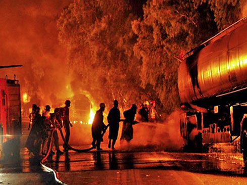 karachi-fire-in-factory-1